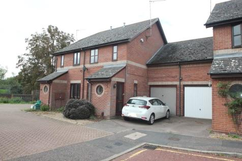 Chiltern Close, Colchester. 3 bedroom semi-detached house