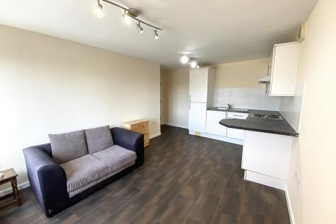Canal Walk, Portsmouth. 1 bedroom apartment