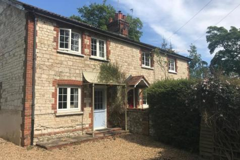 Dippenhall Farnham GU10. 2 bedroom cottage