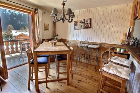 Champéry, Valais. 2 bedroom house of multiple occupation for sale