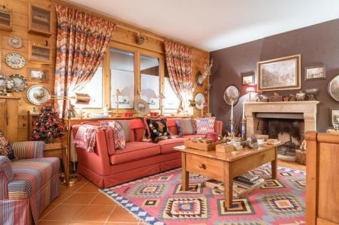 Champéry, Valais. 5 bedroom house of multiple occupation for sale