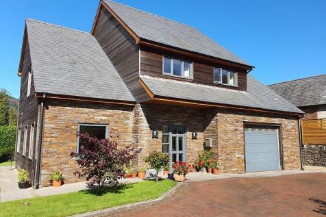 Forest Lodge Lane, Cwmavon, Port Talbot, Neath Port Talbot. SA13 2RX. 4 bedroom detached house