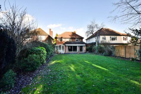 Pinewood Green, Iver Heath, SL0. 3 bedroom detached house