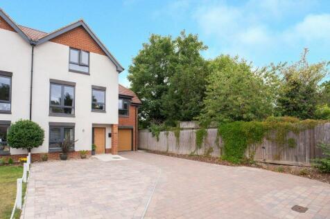Apsley walk  , Richings Park, SL0. 4 bedroom semi-detached house