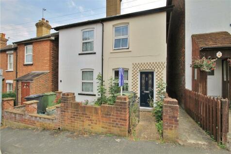 Ludlow Road, Guildford, Surrey, GU2. 3 bedroom semi-detached house