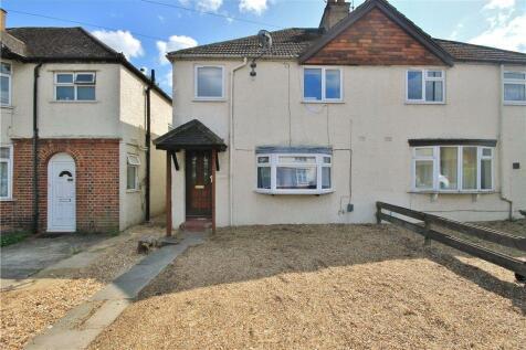 Aldershot Road, Guildford, Surrey, GU2. 4 bedroom semi-detached house