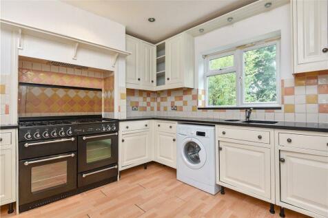 Ardmore Avenue, Guildford, Surrey, GU2. 6 bedroom detached house