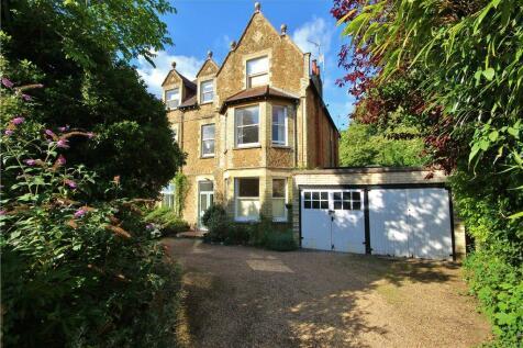 Albury Road, Guildford, Surrey, GU1. 2 bedroom apartment