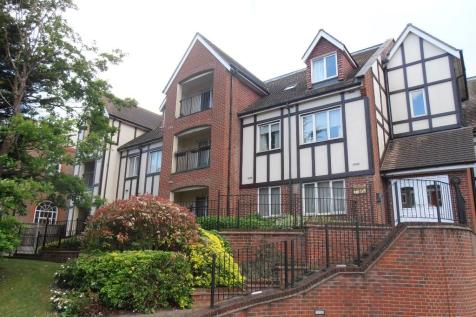 Butts Green Road, Hornchurch, Essex, RM11. 2 bedroom apartment