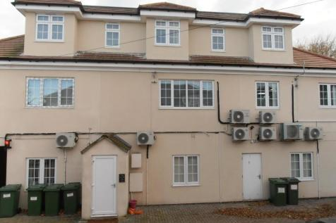 High Street, Hornchurch, London, RM11. 2 bedroom apartment