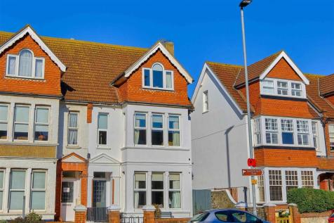 BEAUTIFULLY PRESENTED. 5 bedroom semi-detached house for sale