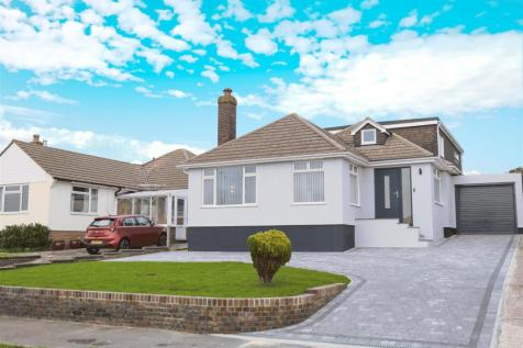 IMMACULATE & EXTENDED. 5 bedroom detached house for sale