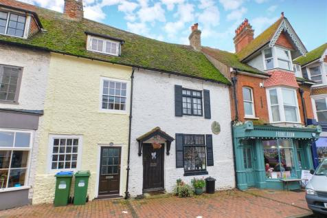 TOWN CENTRE & CHAIN FREE. 2 bedroom terraced house for sale