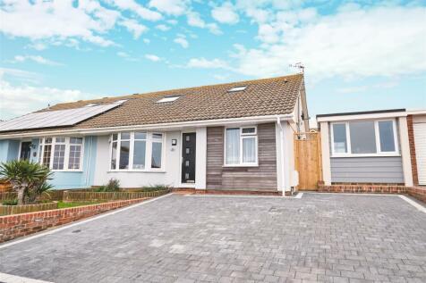 PICTURESQUE SEA AND HARBOUR VIEWS. 4 bedroom semi-detached bungalow for sale