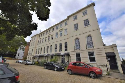 Heritage Court, Castle Hill, Reading. 2 bedroom apartment