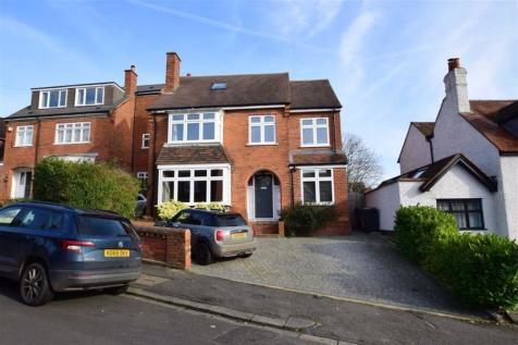 Clifton Park Road, Caversham Heights, Reading. 4 bedroom detached house for sale