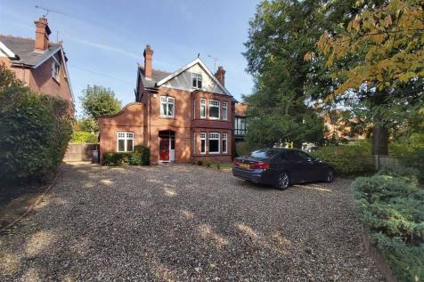 Woodcote Road, Caversham Heights, Reading. 5 bedroom detached house for sale