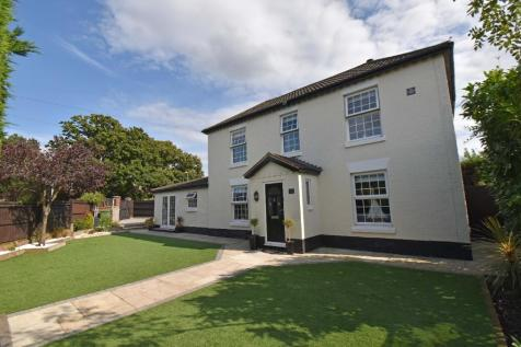 Brook Lane, Sarisbury Green, SO31. 4 bedroom detached house