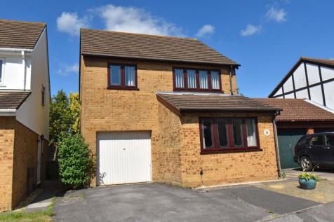 Dene Close, Sarisbury Green SO31. 4 bedroom detached house