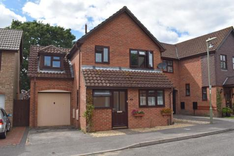 Moorland Close, Locks Heath SO31. 3 bedroom detached house