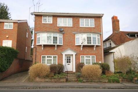 Kings Road, Henley-on-Thames, RG9. 2 bedroom flat