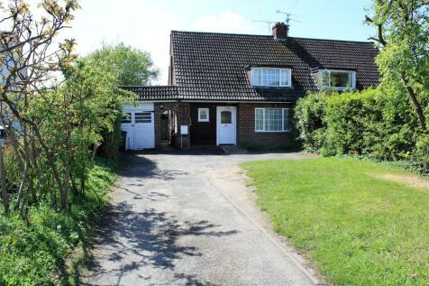 Wokingham Road, Earley, Reading, Berkshire, RG6. 2 bedroom semi-detached house