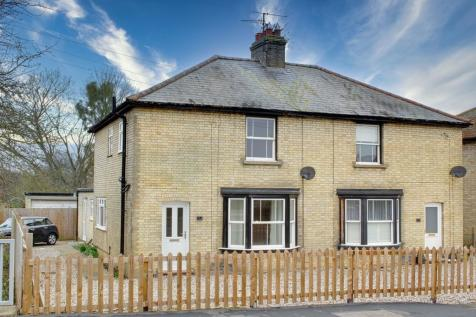 High Street, Offord D'Arcy, St. Neots. 3 bedroom semi-detached house
