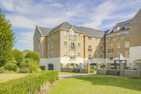 Crosshall Road, Eaton Ford, St. Neots. 2 bedroom apartment