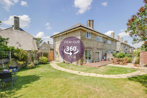 Cromwell Gardens, St. Neots. 3 bedroom semi-detached house