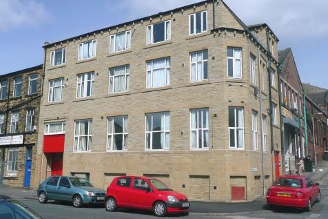 Sunbridge Road, Bradford, West Yorkshire, BD1. Studio apartment