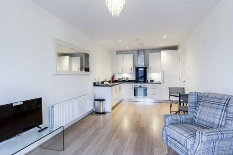 Sovereign Way, Tonbridge, TN9. 2 bedroom apartment