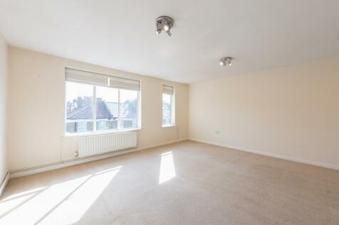 Sulgrave Road, Brook Green, W6. 2 bedroom flat
