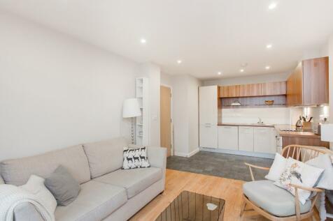 Larden Road, Acton, W3. 1 bedroom flat
