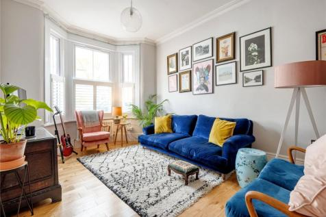 Somers Road, Walthamstow, London, E17. 5 bedroom terraced house for sale