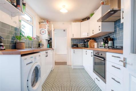 Milton Road, Walthamstow, London, E17. 4 bedroom end of terrace house for sale