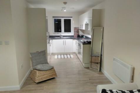 Hamlet Way, Stratford-Upon-Avon, Warwickshire, CV37. 2 bedroom apartment