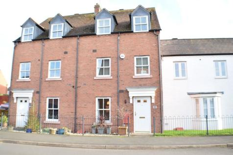 Milton Road, Stratford-Upon-Avon, Warwickshire, CV37. 3 bedroom town house