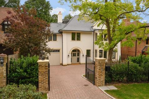 Ellerton Road, Wimbledon Common, SW20. 6 bedroom detached house