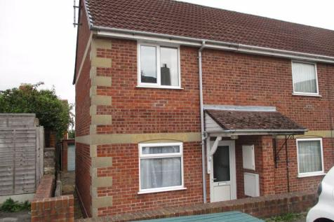 Charlton Close, Yeovil. 2 bedroom end of terrace house