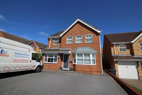 Bloomfield Rd, Cheshunt. 6 bedroom detached house for sale