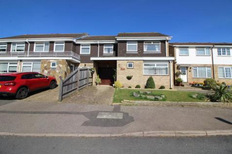 Smarts Green, Cheshunt, Waltham Cross. 4 bedroom end of terrace house for sale