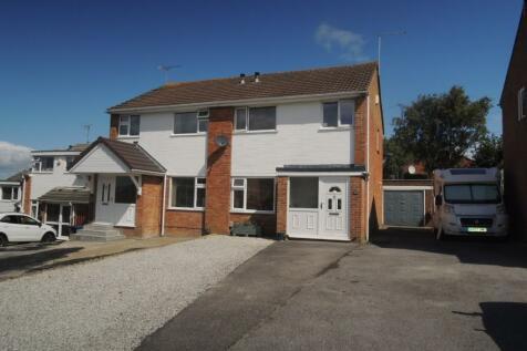 Sunridge Close, Poole, Dorset, BH12. 3 bedroom semi-detached house