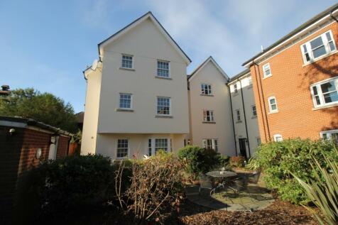 Mortimer Court, Culver Street West, Colchester, Essex. 2 bedroom flat