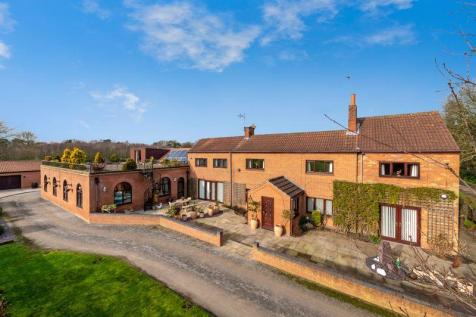 Westmoor House, Westmoor Lane, Kettlethorpe. LN1 2LE. 5 bedroom detached house