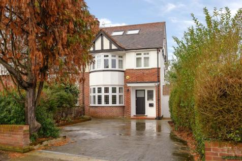Southborough Road, Surbiton, KT6. 5 bedroom semi-detached house