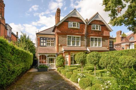 Ditton Road, Surbiton, KT6. 4 bedroom semi-detached house