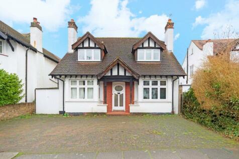 Connaught Road, New Malden, KT3. 4 bedroom detached house for sale