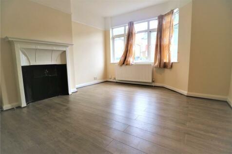 Central Road, Wembley, HA0. 3 bedroom semi-detached house