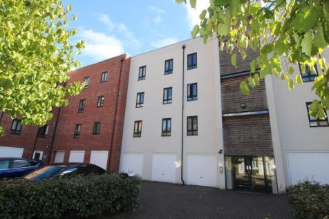 Sinclair Drive, Basingstoke, RG21. 2 bedroom flat