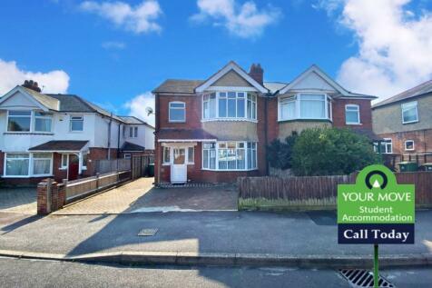 Kitchener Road, Southampton, SO17. 7 bedroom semi-detached house